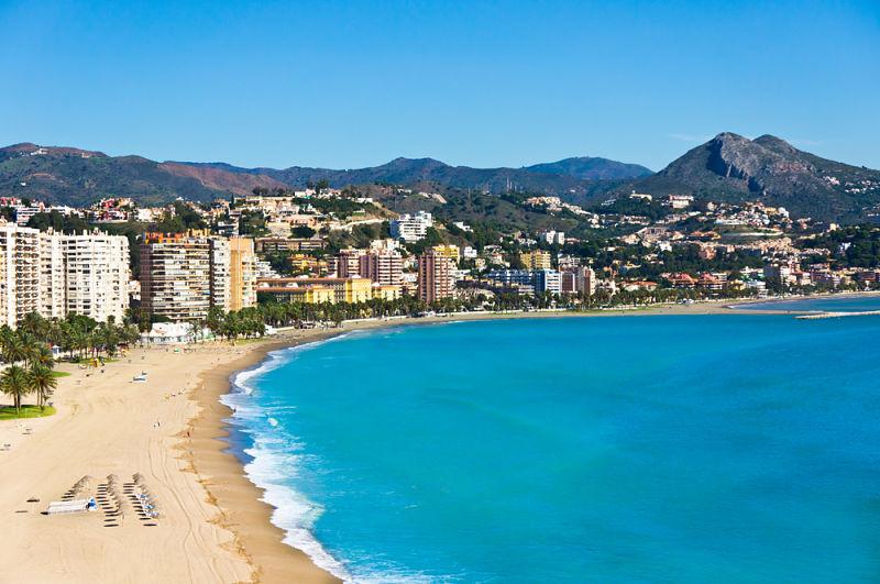 Disfruta de tu despedida de soltero y soltera en Málaga
